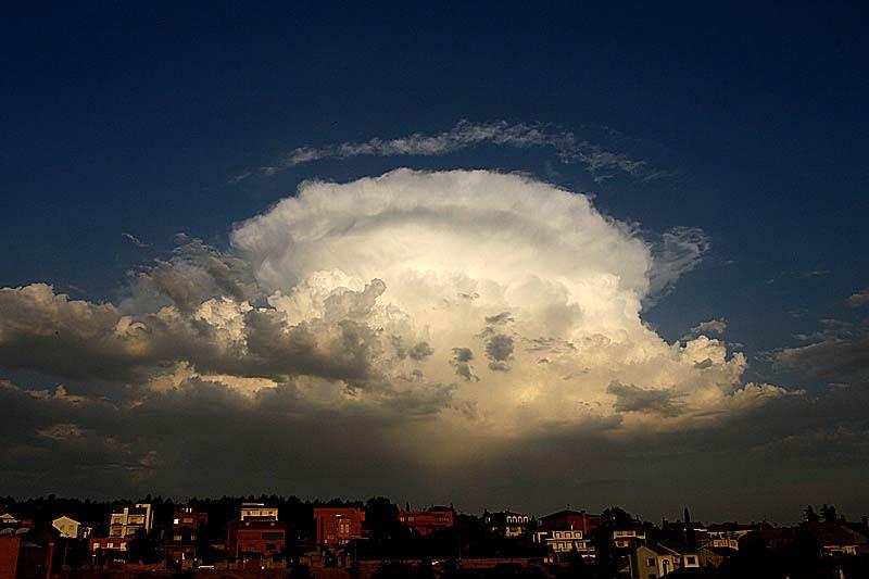 """""""http://www.rumtor.com/Fotos%20para%20web/meteo/cb20web.jpg"""" irudia ezin da bistaratu, akatsak dituelako."""